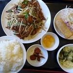 龍のしょく堂 - 料理写真:ニラレバランチ