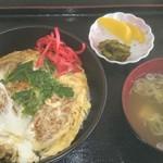 和洋ダイニング 新鮮組 - 料理写真:2017/02/09 12:10訪問 美明豚かつ丼\880