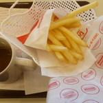 ドムドムハンバーガー - ポテト、ホットコーヒー