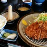 とんかつ芳松 - 四万十とんかつ定食(150g)はランチタイム限定10食で1980円→1780円とお得。
