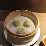 62414076 - 「選べるランチセット」烏龍茶風味小籠包+ワンタン麺(1,200円)