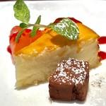 肉とワインのイタリアンバル ポリマエ - チーズケーキ