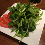 Buff - クレソンと水菜のサラダ 680円