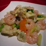 中国料理 桃花樓 - 芝海老とカリフラワーのあっさり塩炒め