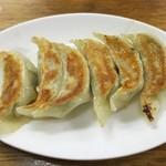 三陽 - 焼き餃子400円、ニンニク満載