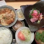 刺身屋新太郎 - S) お刺身五点盛&煮カツ玉子とじ 930円