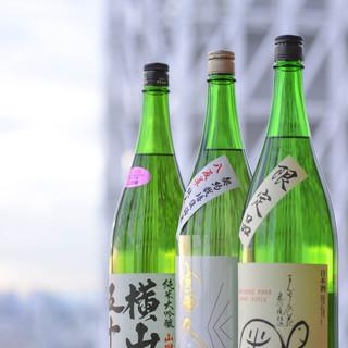 日本酒も常時5~6種類ご用意ございます