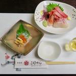 和食処 こばやし - 食前酒(梅酒)、小附(数の子といくら、生しらす)、お造り(甘えびとマグロ、真鯛)