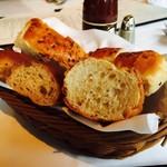 62434363 - パンも美味しいです!