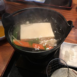 北海道ダイニング 炭火屋 - 華御膳の湯豆腐