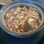 松福 - 娘の頼んだ味噌煮込みうどん まずまずの出来みたいでした。この店では正解かも
