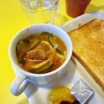 サクラカフェ&レストラン 池袋 - モーニングの日替わりスープ。この日はキューカンバーでした。