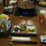 奈良田温泉 白根館 - 料理写真:夕食風景(食事処)