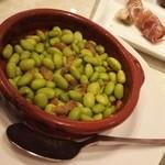 62442057 - イベリコ豚の油で炒めた枝豆