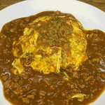 オムライス&cafe STYLE - キーマカレーソースのオムライス(季節商品)