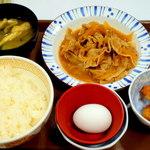 すき家 - 中盛・豚皿定食¥650&唐揚げ2個¥80