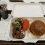 ブーランジェリー アサノヤ / グリパン - ランチAセット:クラシック・バーガー サラダ、ポテト付き&コカコーラ ゼロ