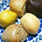 MACOU'S BAGEL CAFE -