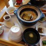 あそらの茶屋 - 姿煮あわび釜飯(2,900円)