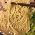 志奈そば 田なか - 麺に絡む濃厚スープ