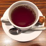 メゾンカイザーカフェ - 食後の紅茶とシュトーレン