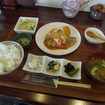 自然食材おはな - 料理写真:ランチ 豚ステーキジンジャーソース