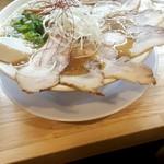 ミヤタヌードル - 醤油チャーシュー麺980円