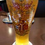 ダルマイヤー - 「ダルマイヤーオリジナルヴァイスビール(500ml)」(960円)。