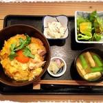 ろばた 旬菜 ねぶ家 - ランチ 親子丼
