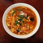 中華飯店 天津餃子房 - 「酢辛湯麺(サンラータン麺)」880円