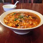 中華飯店 天津餃子房 - 「酢辛湯麺(サンラータン麺)」880円(横)