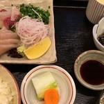 62469022 - 刺身定食(ブリ、サワラ)