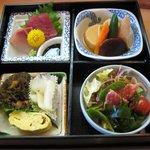和食 雅 - 料理写真:お刺身弁当(850円)