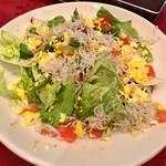 カラオケ パセラ  - ジャコとエッグトマトのサラダ