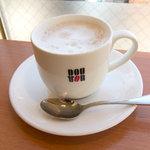 ドトールコーヒーショップ - カフェ・ラテ、M280円。