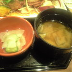 ガスト - 味噌汁と漬物