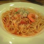 ガスト - ズワイ蟹と海老のトマトソーススパゲティ 628円