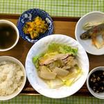 かふぇオハナ - 『白菜(自家栽培)と豚肉のミルフィーユ鍋風ランチ』+サラダ付  ¥700(税込) ※ごはんのお代りできます(*^^*)