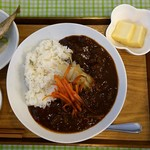かふぇオハナ - 『牛肉ハヤシライス トッピング:玉ねぎ(自家栽培)、人参ランチ』+サラダ付 ¥700(税込)