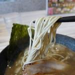 濃厚商店 - 旨い自家製麺です。
