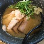 62492393 - 170204鶏魚介チャーシュー麺 ¥1000