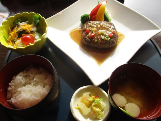 ダイニング万葉 ホテルメトロポリタン秋田店 - 和風ハンバーグ