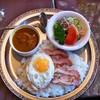 カレーハウス ミニ・ボルツ - 料理写真:ボルツセット(チキンとたまご)