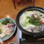 割烹 味香佐 - ④鍋『とらふぐちり鍋 野菜一通り 薬味』