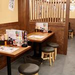 新時代 - テーブル席