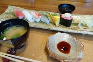 礎 - 〆のお寿司6貫(ランチコース)