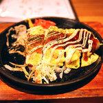 名古屋駅 古民家居酒屋 銑 - とんぺい焼き。あまりに美味しそうだったので、つい二切れ食べちゃいまして……。