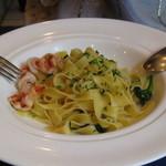 テッラ - 海老とブロッコリー(有機野菜)のフェットチーネ