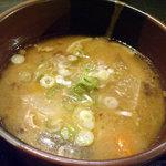 6250202 - 「サーモンハラミ焼き定食」豚汁