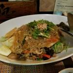 池袋ベトナム料理 アジアンタオ - 春雨と挽き肉のピリ辛炒めサラダ